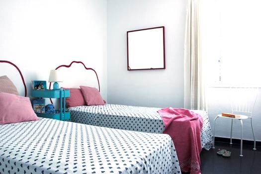 decoraCCion-amueblamiento vintage lowcost-casa verano-decoración salon y dormitorios 05